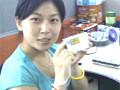 女网友演示三星光影刻录机一键刻录功能